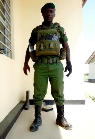 Ranger Freddy Mahamba Muliro - Photo from Sammy Mupfuni @SMupfuni Journaliste, écrivain, factchecker et enquêteur de la RDC