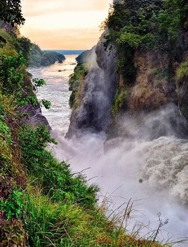 @SarahKagingo Spectacular view of Murchison Falls in #Uganda. 📷 #havetoseeit #SaveMurchisonFalls