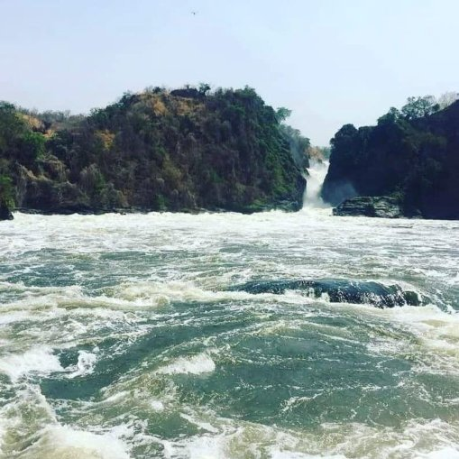 Kyatuka Pearl ‏@Pearl07606087 This beauty can't be destroyed just like that in the name of making a new dam. We shall use solar if that's the case. #savemurchisonfalls
